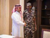 شاهد: وزير الداخلية يستقبل العسكري الذي رفض مبلغًا ماليًا من حاجة.. ويوجه رسالة هامة