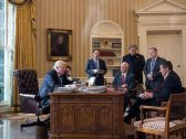 بعد خطر العزل.. من يستمع لمكالمات ترامب.. وكيف يجري التحضير لها؟