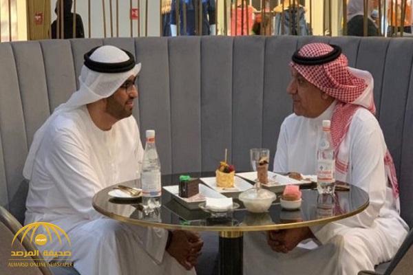"""شاهد.. وزيران """"سعودي وإماراتي"""" داخل أحد المراكز التجارية بـ """"أبوظبي"""""""