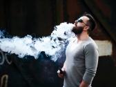 """تقرير أمريكي يكشف عن """"مرض نادر"""" مرتبط بـ""""السجائر الإلكترونية"""""""