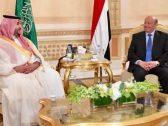 نائب وزير الدفاع يلتقي الرئيس اليمني في الرياض.. وهذه تفاصيل ما دار بينهما !