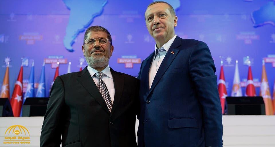 """قيادي منشق عن """"الإخوان"""" يفضح الاتفاق السري بين """"أردوغان"""" و """"مرسي"""" ويكشف تفاصيله"""