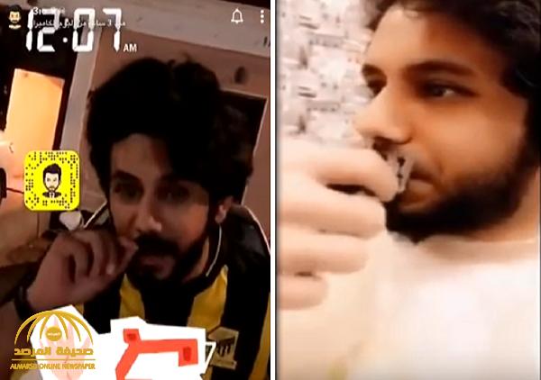 بعد خسارة فريقه أمام الهلال.. شاهد: المشجع الاتحادي ينفذ وعده ويحلق شنبه !