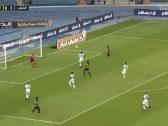 بالفيديو : الاتحاد يحقق فوزه الثاني في الدوري على حساب الشباب بهدفين