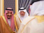 بالصور.. الملك سلمان يستقبل الأمراء والعلماء وجمعاً من المواطنين!