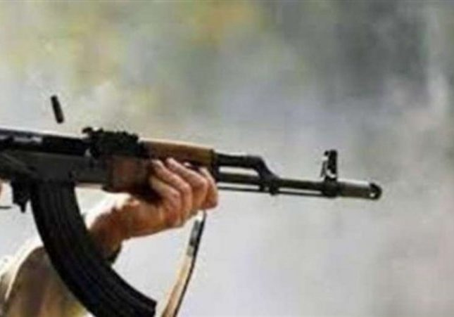 باستخدام رشاش ومسدس.. شاب يطلق 17 طلقة نارية صوب متنزهين برجال ألمع!