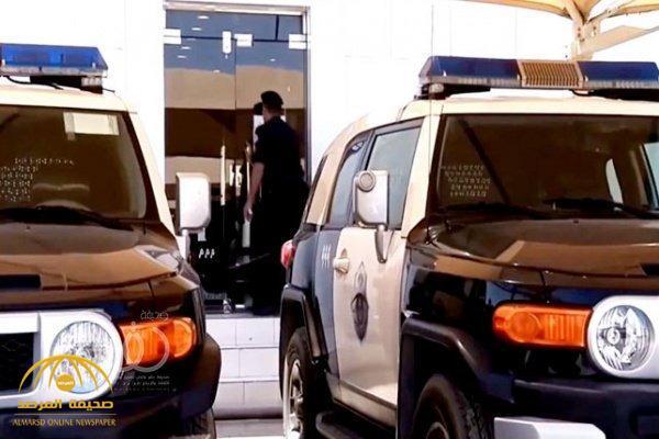القبض على 4 متهمين  اقتحموا وسرقوا مراكز تجارية  شمال الرياض ..  والكشف عن جنسياتهم !