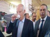 شاهد الرئيس التونسي الجديد داخل مقهى شعبي