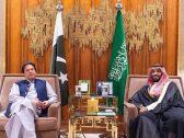 بالصور .. تفاصيل اجتماع ولي العهد مع رئيس وزراء باكستان