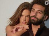 """شاهد .. """"أبومكة"""" ينشر فيديو دعائي جديد مع عارضة الأزياء البرازيلية ويداعبها بالكرة !"""