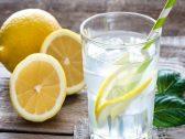 """7 فوائد لا تخطر على البال لتناول مشروب """"ماء الليمون"""" في هذا التوقيت !"""
