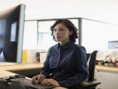 شاهد.. صورة صادمة للشكل الذي يمكن أن يبدو عليه موظفو المكاتب خلال 20 عاما!