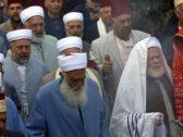 ما هي أصغر وأقدم طائفة دينية  في العالم ؟ .. ولماذا تتناقص أعدادهم؟