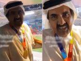 """""""يا من مرة سجنتك""""؟.. شاهد : أمير قطر السابق حمد بن خليفة يتفاخر بسجن أحد القطريين"""