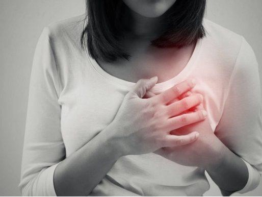 تعرف على 8 علامات يرسلها الجسم قبل النوبة القلبية!