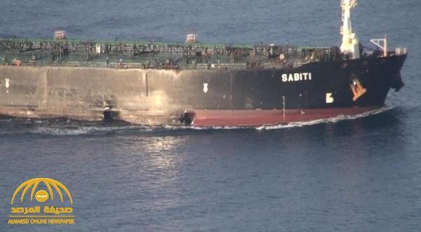 """شاهد .. صور جديدة لناقلة إيران """"المكسورة"""" بالقرب من سفينة مشبوهة .. ومصادر تكشف مفاجأة عن حمولتها !"""