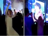 """شاهد.. وصلة رقص لـ """"شاب"""" أثناء حفل الفرقة الكورية بموسم الرياض.. وتركي آل الشيخ يعلق !"""