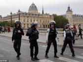 5 قتلى في هجوم بسكين على مقر شرطة في قلب باريس .. وهذا مصير القاتل