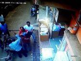 """""""وصف الحادث بـالمعجزة"""".. شاهد : لحظة سقوط طفل من أعلى مبنى سكني ولم يصب بأذى!"""