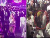 شاهد : فتاة تركل شاب رقص أمامها في موسم الرياض!