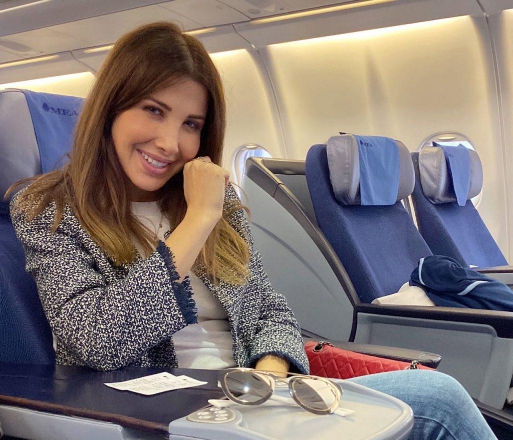 بالصور.. وصول الفنانة نانسي عجرم إلى الرياض استعداداً لإحياء حفلها الليلة