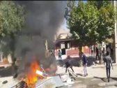 """بعد انتشار """"الإيدز"""" بين أهالى المدينة .. شاهد: متظاهرون يحرقون مبنى حكومي في إيران"""