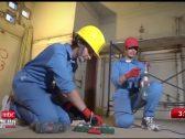 شاهد: ثلاث شقيقات سعوديات من تبوك يعملن في البناء  والدهان  وتركيب الجبس !