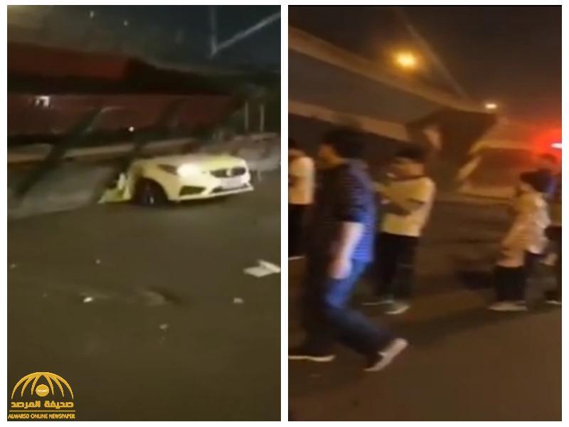 حادث مروع.. شاهد فيديو للحظة انهيار جسر فوق السيارات وسقوط ضحايا!