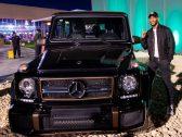 """صنع منها 65 سيارة فقط في العالم .. بالصور : الفنان """"محمد رمضان """" يشتري سيارة نادرة من معرض الرياض"""