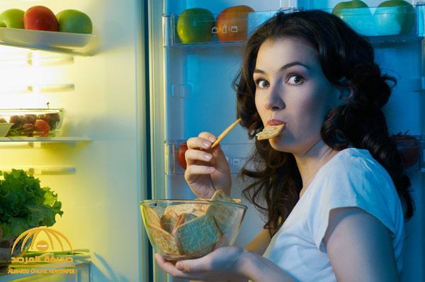 دراسة : تناول وجبة العشاء بعد الـ6 مساءً يزيد من خطر إصابة النساء بالمرض القاتل !
