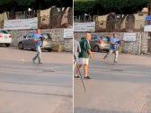 شاهد : لبناني يحمل رشاش و يطلق النار أثناء الاحتجاجات وسط  بيروت
