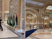 """بالفيديو .. معزوفة """"أنت ملك"""" بقصر الوطن في أبوظبي بانتظار وصول الأمير محمد بن سلمان"""