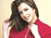 حقيقة انتحار الفنانة المصرية منى فاروق بسبب الفيديو الإباحي!