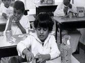 بالصور.. تعرف على الوجبات المدرسية التي كانت تقدم للطلاب في المملكة قبل 40 عاما !