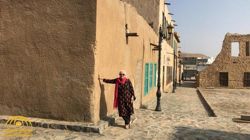 """بالصور.. أول سائحة كندية في تبوك تروي تجربتها بعد استضافتها في """"منزل أسرة سعودية"""".. وهذا ما فوجئت به"""