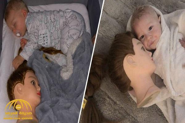 بالصور.. رأس تمثال يحول حياة أم إلى جحيم.. ما سر تواجده مع الرضيع !