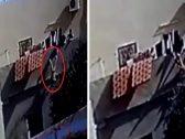 شاهد.. تعذيب طفلة على يد والدها وزوجته السورية من شرفة المنزل بطريقة خطيرة في الأردن !