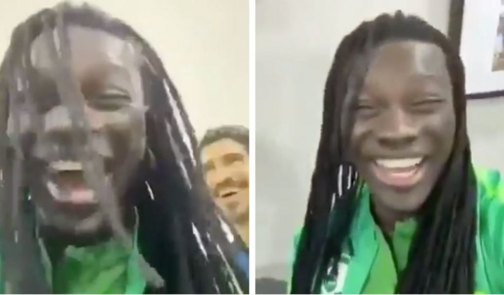"""شاهد.. فرحة """"غوميز الفرنسي"""" بعد هدف """"سالم الدوسري"""" في مرمى أوزبكستان: الله يا سالم الله"""