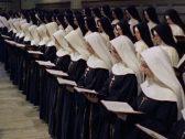 """فضيحة جديدة  تضرب الكنيسة الكاثوليكية بعد حمل """"راهبتين""""  أثناء تواجدهن في إفريقيا"""
