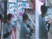 """شاهد : لص يخدع صاحب محل """"هواتف نقالة"""" بالرياض ويسرق أحد الأجهزة ويفر هارباً.. والكاميرا له بالمرصاد!"""