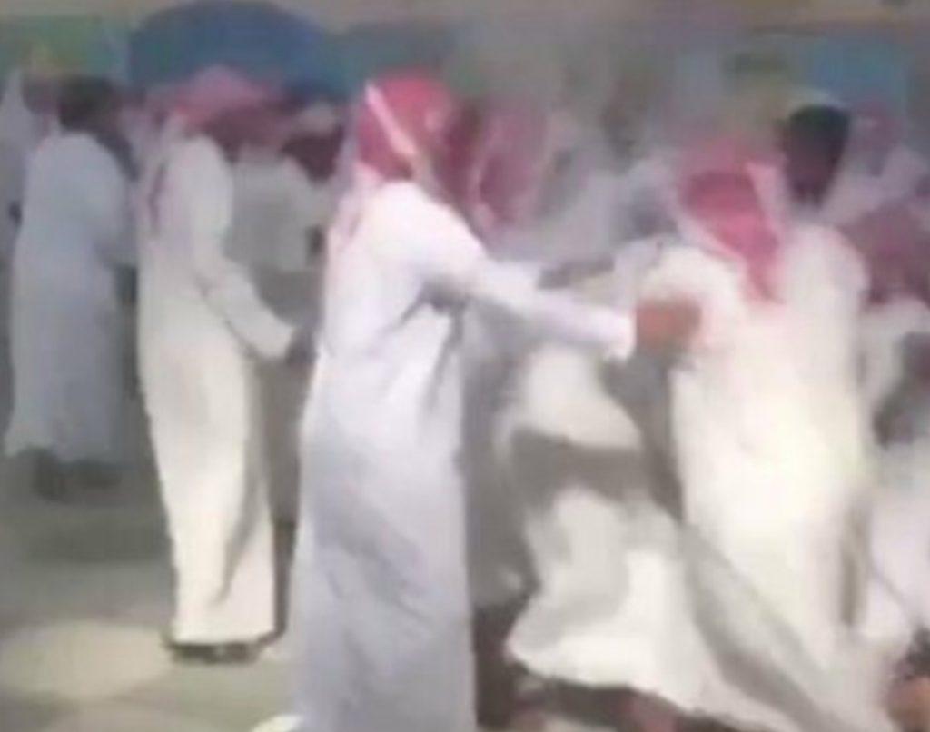 طالب يقتل زميله طعنا داخل مدرسة متوسطة بمحافظة شرورة!