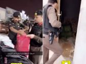 شاهد: مداهمة أمنية لعصابة بالفيصلية في الرياض.. والكشف عن الممنوعات التي وُجدت بحوزتهم