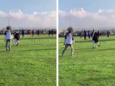 """بالفيديو: تركي بن طلال يركل الكرات أثناء مشاركته للاعبي """"أبها"""" في التمرينات"""