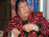 """على كرسي متحرك .. شاهد: آخر ظهور لـ""""شعبان عبدالرحيم"""" في مطارالقاهرة قبل وفاته!"""