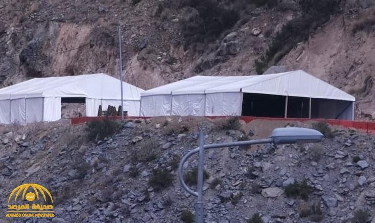 بعد 10 سنوات انتظار.. شاهد: أمير منطقة عسير يقيم مخيم لوزير النقل بعقبة القامة ويعد بإنجازها في شهرين فقط