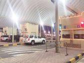 القبض على 4 كويتيين أثناء تهريب سيارة رياضية من السعودية للكويت .. وكاميرات المراقبة تكشف الحيلة التي استخدمها المتهمين !