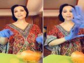 """شاهد .. هند القحطاني تقطع البصل وتتراقص على أغنية : """" إلى هنا وتنتهي عشرتكم المو حلوة"""""""