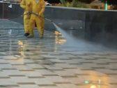 """في أول تعليق على فيديو """"غسل مدخل فندق"""".. أمانة نجران تكشف خطة غسل الشوارع وعلاقتها بزيارة مسؤول رفيع المستوي !"""