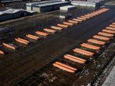 تظهر كأنها نقانق صغيرة.. شاهد : عدد ضخم من أجسام طائرات بوينج ماكس 737 بمنطقة الانتظار بعد قرار إيقاف تصنيعها