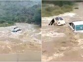 شاهد : سيول غزيرة تجرف السيارات في جازان!